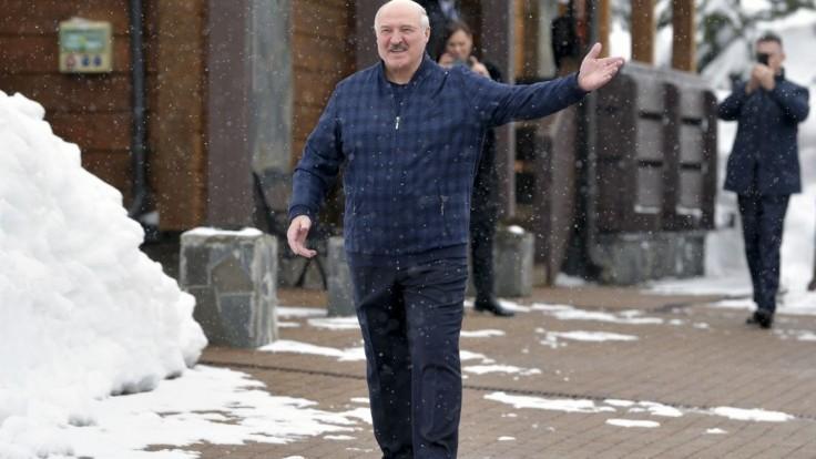 Lukašenko chce mať na jeseň vlastnú vakcínu, zatiaľ očkujú ruskou