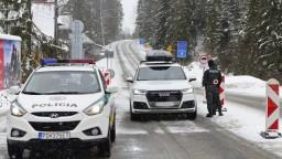 Poľsko sprísňuje, cestujúcich Slovákov a Čechov čaká karanténa