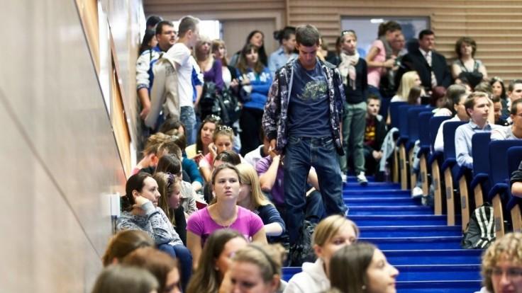 Dobrá správa pre vysoké školy, dostanú milióny eur