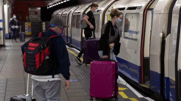 Ľuďom z EÚ vyhoveli. Británia schválila takmer všetky žiadosti o pobyt