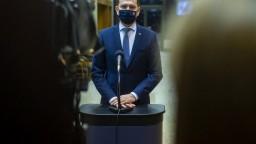 Do leta by mohli v EÚ zaočkovať 70 % dospelých, potvrdil premiér