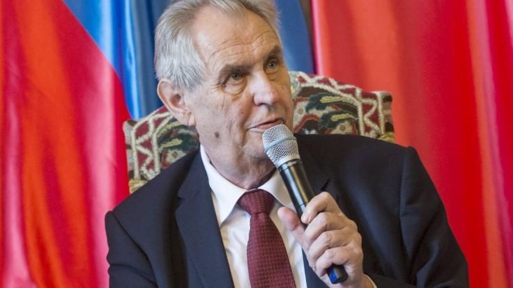 Rusko vraj Česku sľúbilo Sputnik, vybaviť to mal Zeman