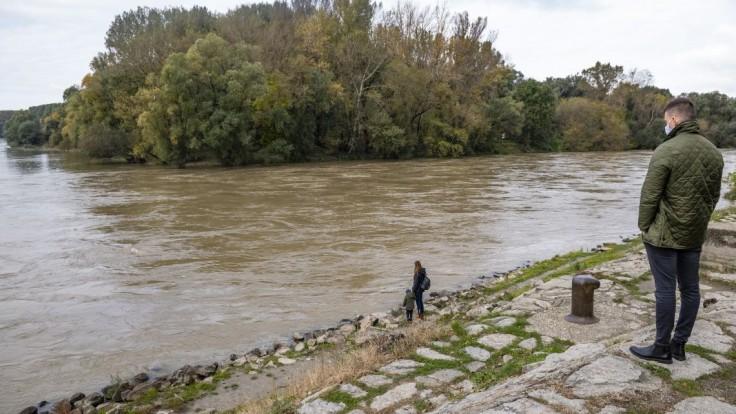 Pre tri okresy na východe platí druhý stupeň výstrahy pred povodňami