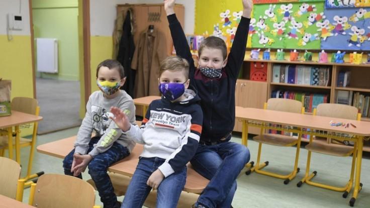 FOTO Deti na východe potešil návrat do škôl, opäť sa stretli v triedach