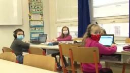 Otvorili školy, hoci sú v čiernom okrese. Nemali vraj inú možnosť