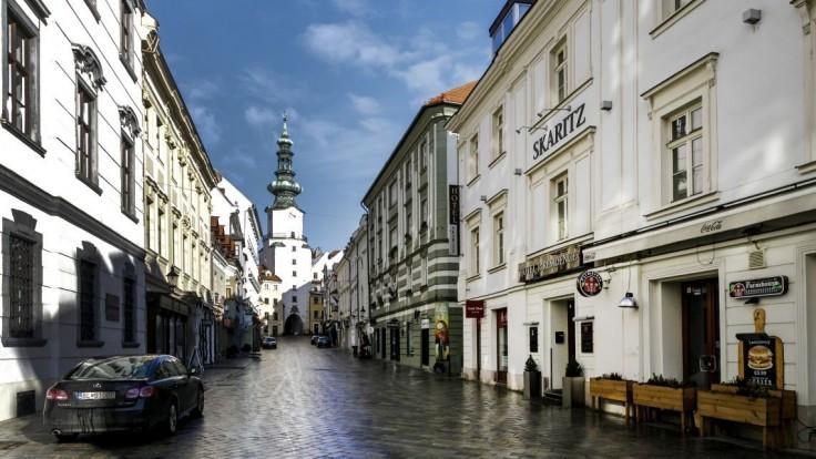 Čakáme na vás, odkázala Bratislava turistom v krátkom videu