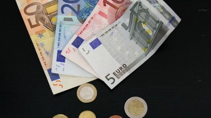 Slovensko dlhuje vyše 105 miliónov, faktúry sú aj rok po splatnosti