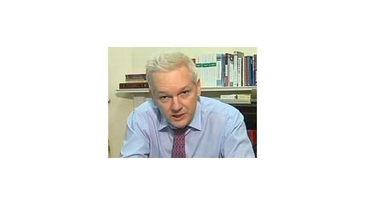 Assange: Cítim sa ako na vesmírnej stanici