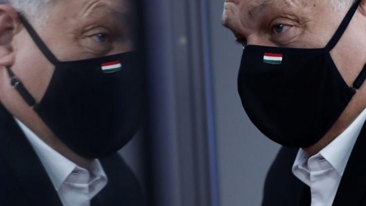 Orbán má bližšie k Putinovi než k Únii, kritizuje opozícia