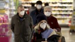 Vyznáte sa v respirátoroch? Od pondelka sú potrebné na nákup aj v MHD