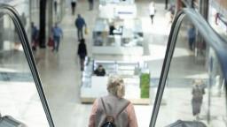Tržby slovenských obchodov sa v januári rekordne prepadli