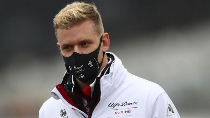 Haas má nový monopost, Schumacher bude jazdiť vo farbách ruskej trikolóry