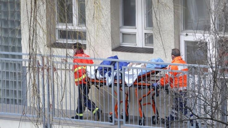 Česko uvoľnenie opatrení nechystá, Babiš na to nevidí dôvod