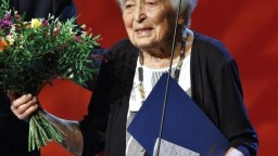 Zomrela skvelá herečka a energická dáma Helena Kružíková