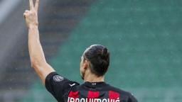 Ibrahimovič sa ponáhľal, tak stopol fanúšika na motorke