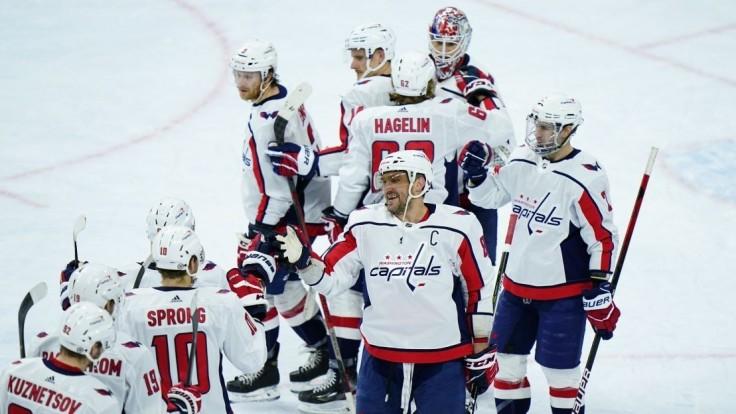 NHL: Chára prispel k výhre Washingtonu, hralo sa pred divákmi