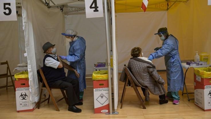 Šéfka eurokomisie avizuje výrazný jarný posun s vakcínami