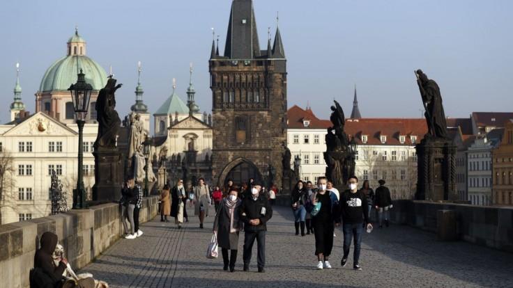 Epidémia v Česku spomaľuje. Opatrenia fungujú, oznámil vicepremiér