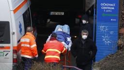 České opatrenia zabrali, podľa údajov sa tam epidémia spomaľuje