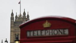 Británia nerešpektuje pravidlá. Europoslanci s dohodou počkajú