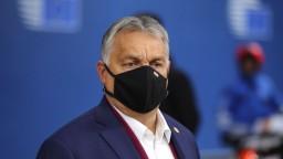 Orbán viní Brusel z pochybenia pri objednávke a delení vakcín