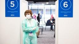 Nemocniciam sa opäť priťažilo, máme viac než 8600 obetí pandémie
