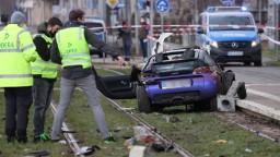 Auto zrazilo ľudí na prechode, dvaja neprežili. Nehoda, tvrdí polícia