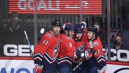 NHL: Capitals s Chárom a Pánikom zdolali Islanders, Ovečkin prekonal Esposita