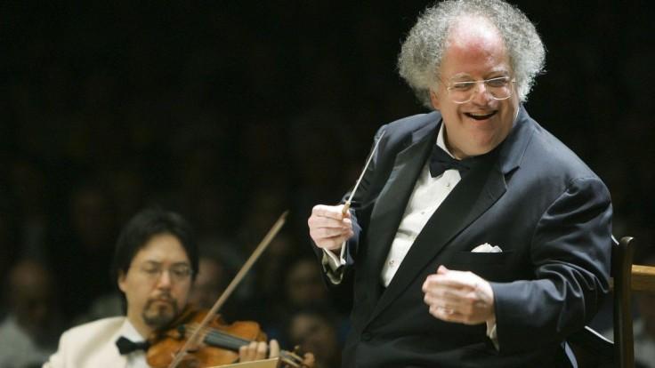 Zomrel známy dirigent, ktorý vraj obťažoval mladších hudobníkov
