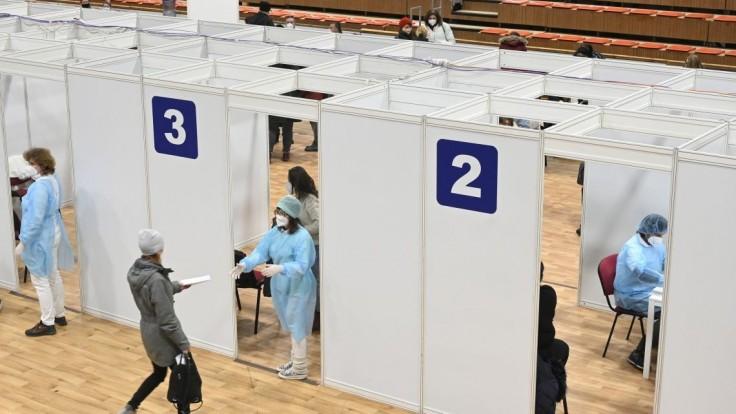 Veľké očkovacie centrum otvoria po prvýkrát aj v Trenčíne