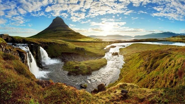 Island otvára hranice pre zaočkovaných návštevníkov