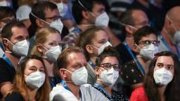 KN95 či FFP2? Upresnili, aké respirátory treba mať v interiéroch