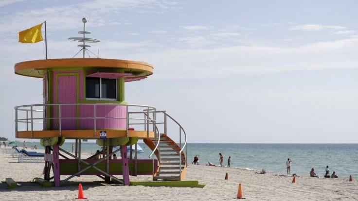 Zákaz vychádzania v Miami Beach: Prístupové mosty pre večierky uzavreli