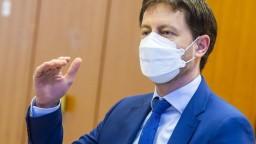 Heger: Ministerstvá, ktoré sú dôležité pre pandémiu, robia na plné obrátky