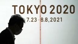 Oheň ponesú tisícky ľudí, Japonci však z olympiády nie sú nadšení