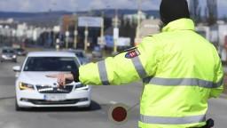 Muž šoféroval napriek zákazu, môže ísť na dva roky za mreže