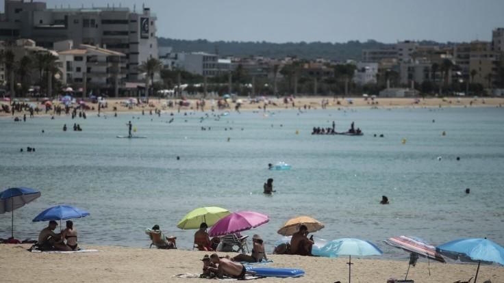 Letná dovolenka v zahraničí? Pre Čechov bude možno realitou