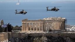 Gréci oslavujú 200 rokov nezávislosti, prehliadka bola bez divákov