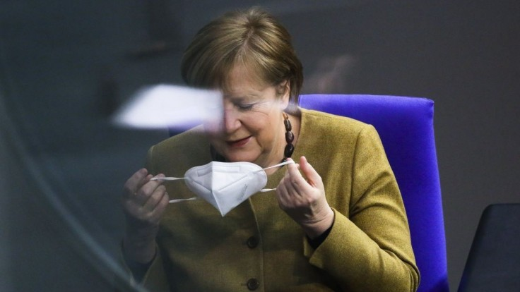 Sme od toho závislí. Podľa Merkelovej musí Únia pridať s vakcínami