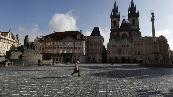 V Česku klesá počet nových prípadov, obetí pribudli desiatky