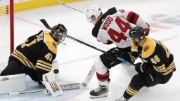 NHL: Halák hviezdou zápasu, Boston však Jersey podľahol