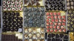 Maškrtný zlodej cielil na bonboniéry. Polícia zverejnila fotky