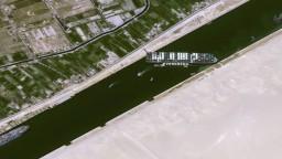 Suezský prieplav je opäť voľný. Loď sa podarilo vyslobodiť