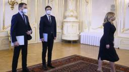 Matovičovu demisiu zhodnotil odborník na protokol Špaček