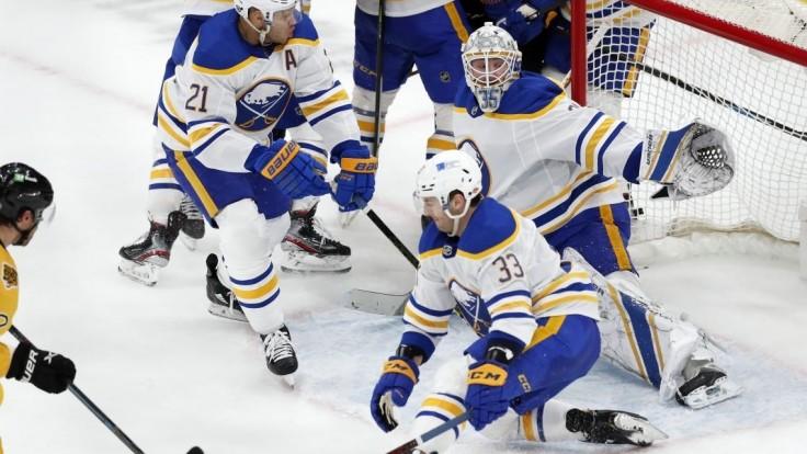 NHL: Buffalo sa po osemnástich prehrách dočkalo víťazstva