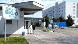 Problémy v nitrianskej nemocnici: Riaditeľ siaha lekárom na plat
