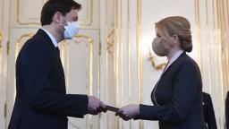 Prezidentka vymenovala novú vládu na čele s Hegerom