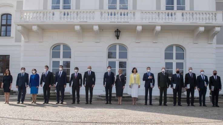 Nová slovenská vláda je vymenovaná, toto sú jej ministri