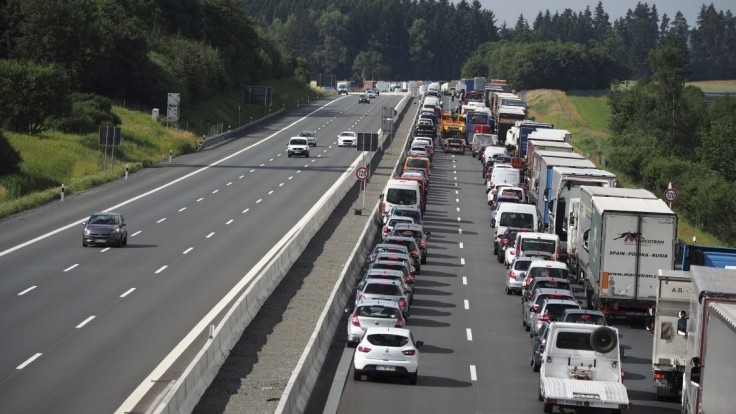 Pripravte sa na kolóny. Cestu do Maďarska blokuje nehoda