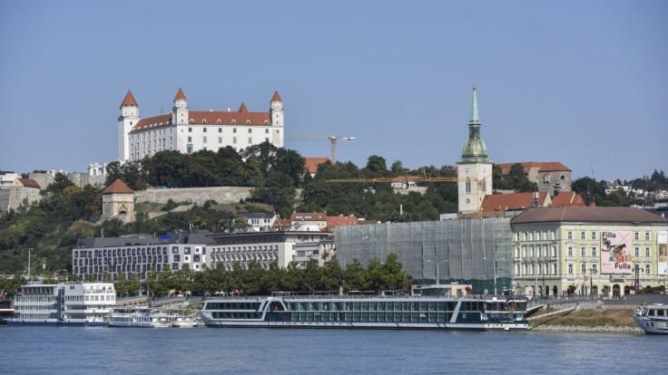 Vallo je spokojný. V Bratislave sa sčítalo 86 percent obyvateľov